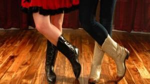 10117.danse-country-comment-maitriser-les-premiers-pas.w_1280.h_720.m_zoom.c_middle.ts_1342629501.